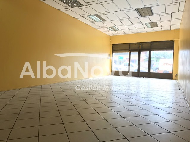 Local Comercial en Plena Avda. Troncal